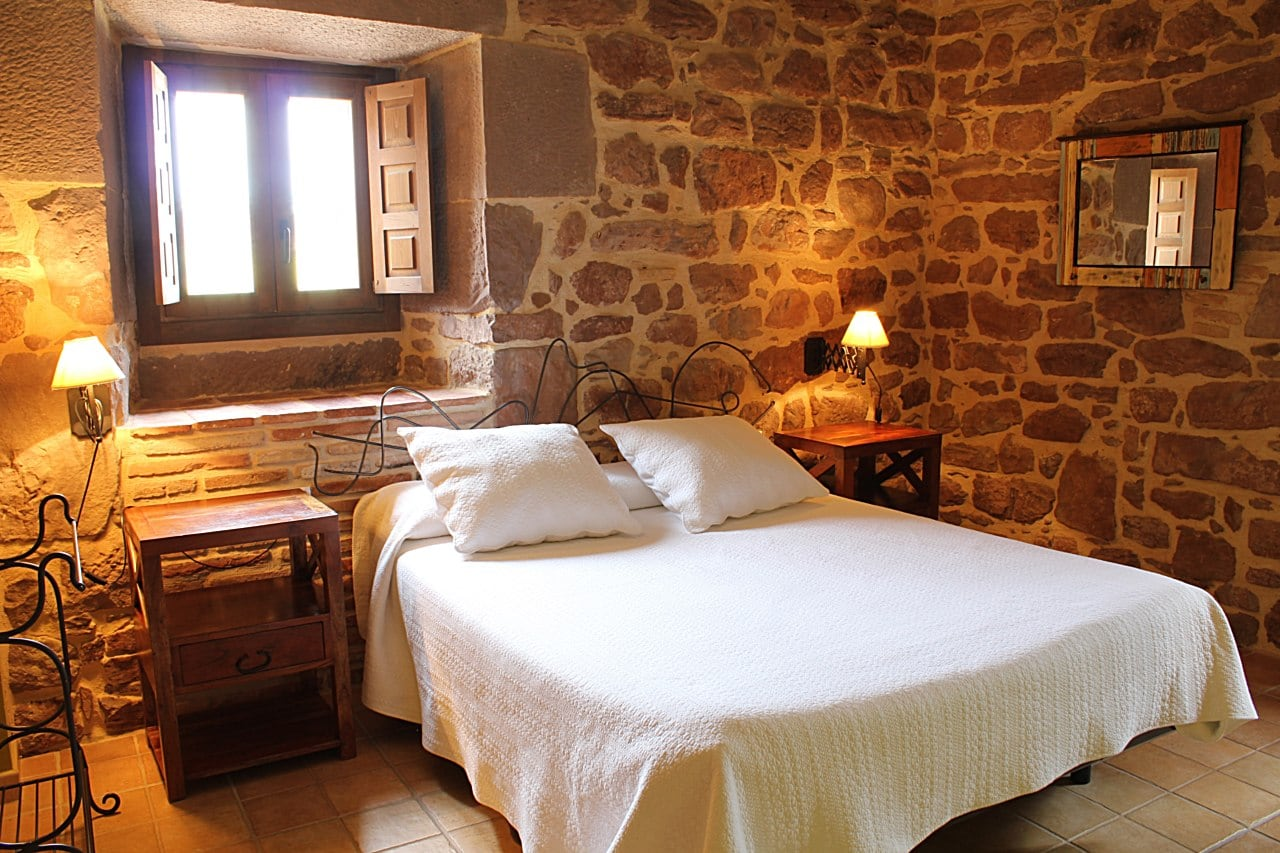 Stays - Hostal Rural Ioar